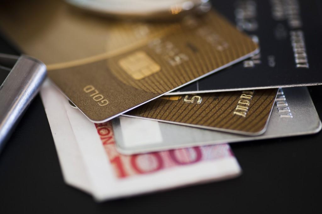 FCA sets social guidelines for bankers